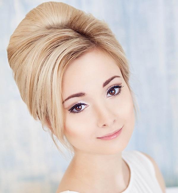Прическа бабетта на средние волосы